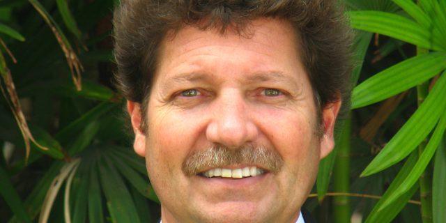 Dr. Michael Smolen, D.D.S.