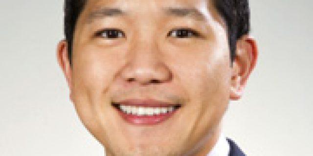 Dr. Christopher Chau,DDS