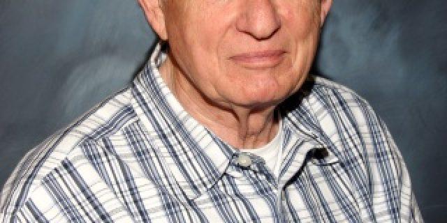 Ted Benaderet, DDS